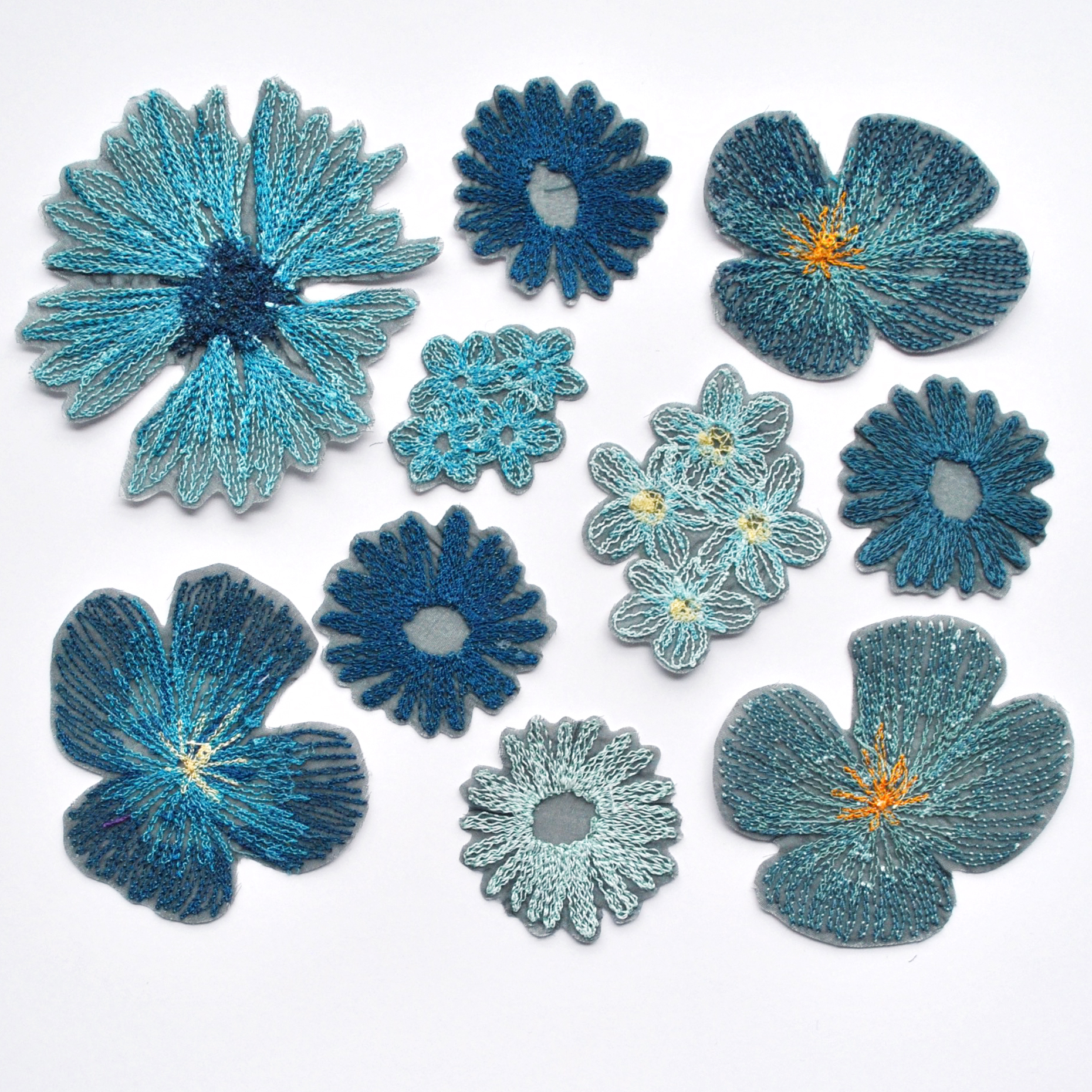 Blue Flower Patches: 10 Pack